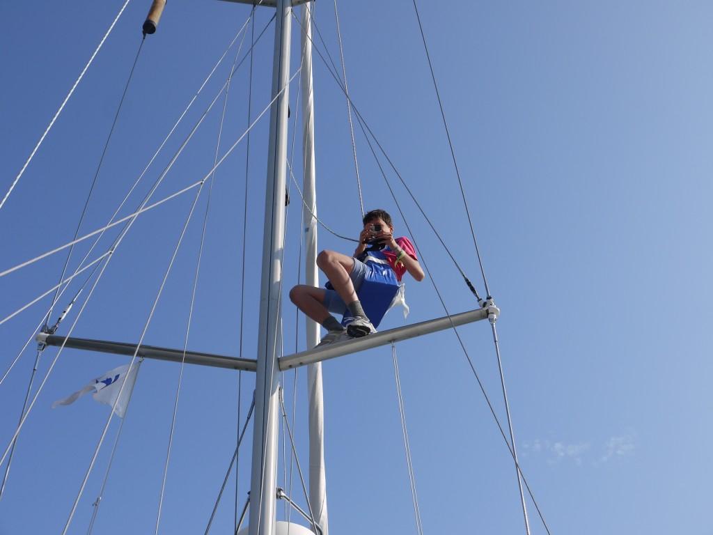 Pieter fotografeert vanuit de mast