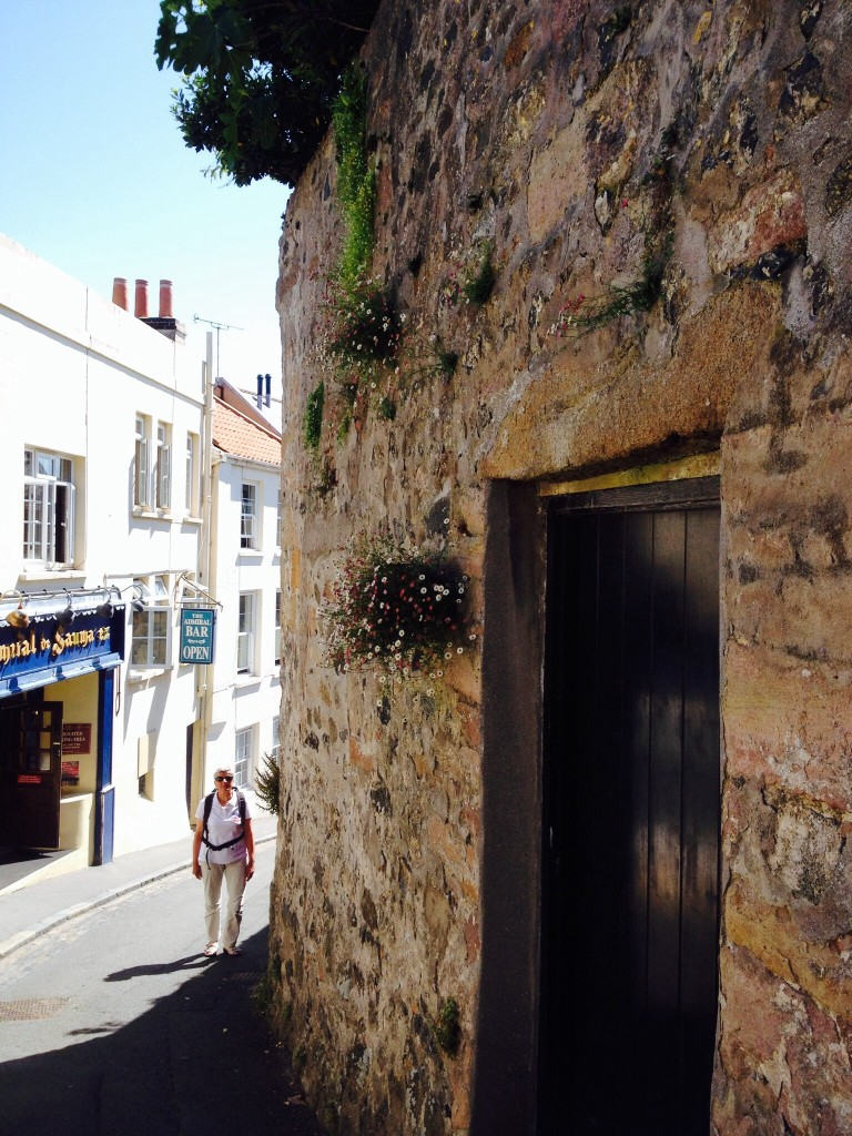 Straatbeeld St. Peterport Guernsey